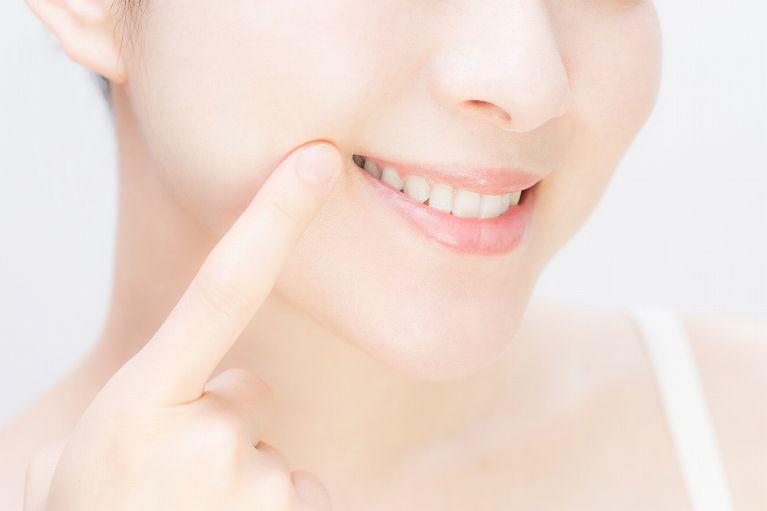 詰め物・被せ物による審美歯科